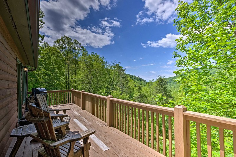 Secluded Lenoir Cabin 15 Mins to Blowing Rock, vacation rental in Lenoir