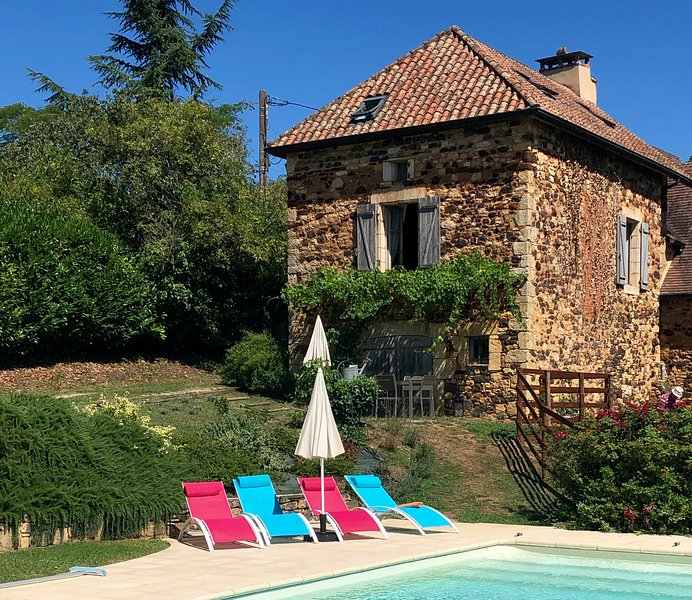 Le Bontemps, Private Swimming Pool close to Sarlat and Domme, alquiler vacacional en Domme