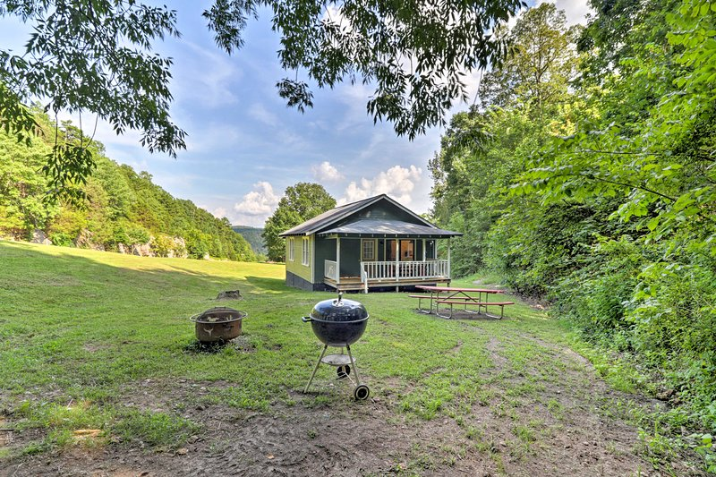 This 2-bed Mountain View vacation rental sleeps 4.