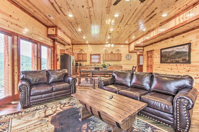 Prenota questa spaziosa cabina in affitto per un soggiorno di lusso a Sevierville.