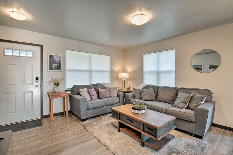 Missoula Townhome w/ Patio - 2 Miles to Downtown!, vacation rental in Arlee