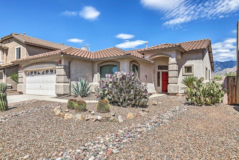 Mediterranean-Style Home, Walk to Catalina St Park, location de vacances à Catalina