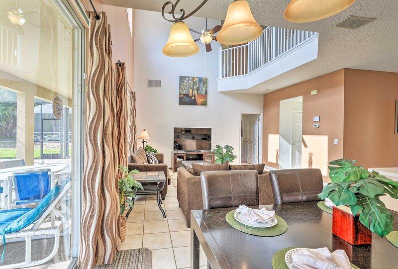 Esta casa ofrece espacio para 16 invitados para extenderse.