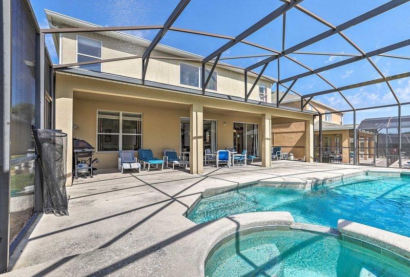 ¡Sumérgete en tu próxima escapada a Orlando en este alquiler de vacaciones de 8 camas y 5.5 baños!