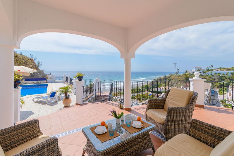 VILLA TEBA- 4 bedrooms villa with amazing views, vacation rental in Torrox