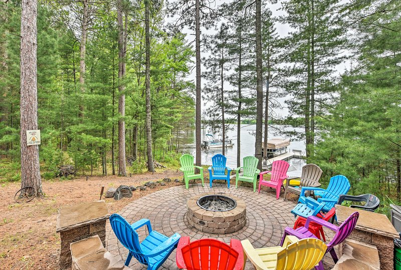 You'll have amenities including a fire pit, private dock and lake access.