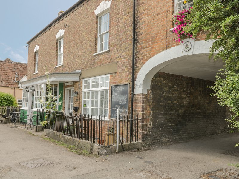 Wards Court 2, Frampton On Severn, holiday rental in Whitminster