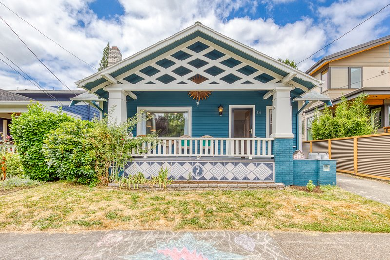NEW LISTING! Charming Hawthorne home w/ great city access - steps to dining!, location de vacances à Portland