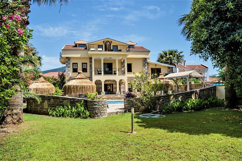 Villa Karya 6 bed luxury villa, holiday rental in Dalyan