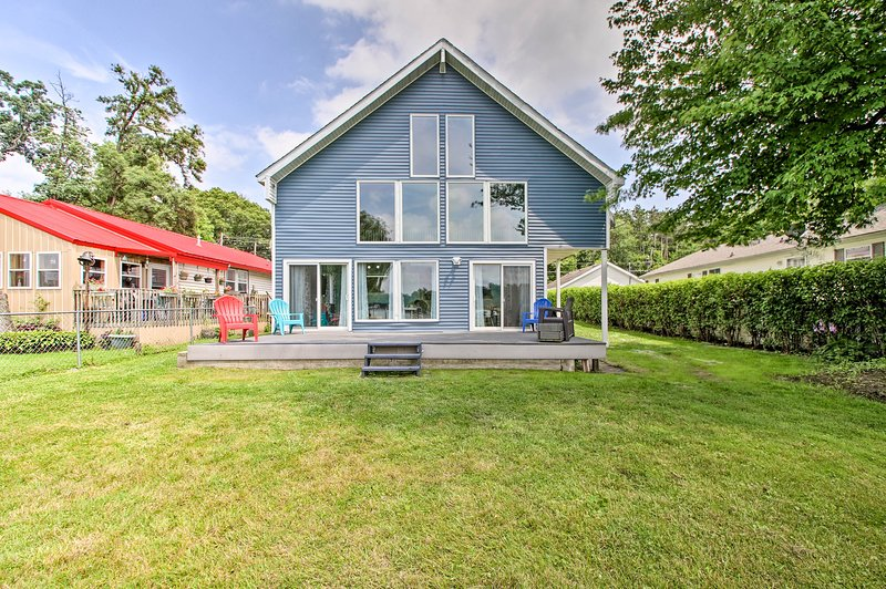 Spacious Indiana Lake Home w/ Private Waterfront!, location de vacances à St. Joseph County