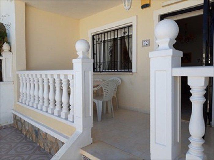 ADOSADO MONTEAZUL: 3 DORMITORIOS 10 km PLAYAS GUARDAMAR, holiday rental in Benejuzar