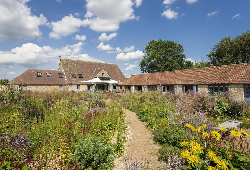 Hailstone Barn (10 Guests), holiday rental in Crudwell
