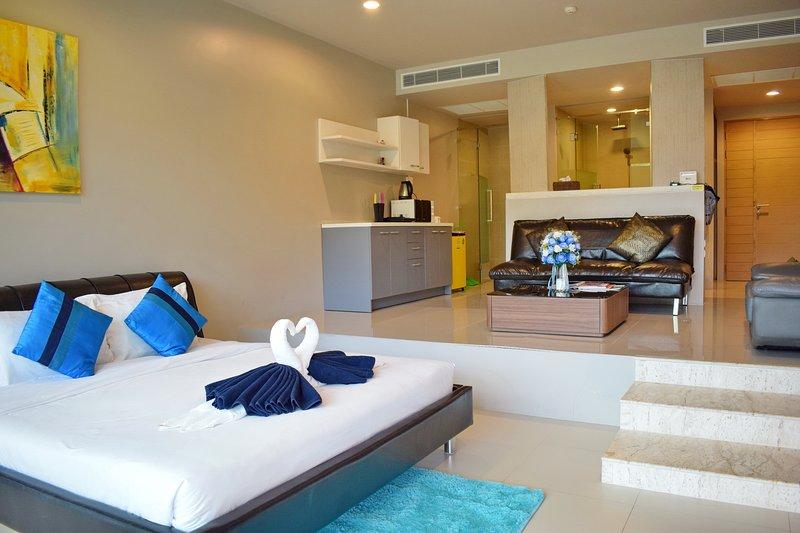 Studio Pool Access Karon Hill - G15 – semesterbostad i Karon Beach