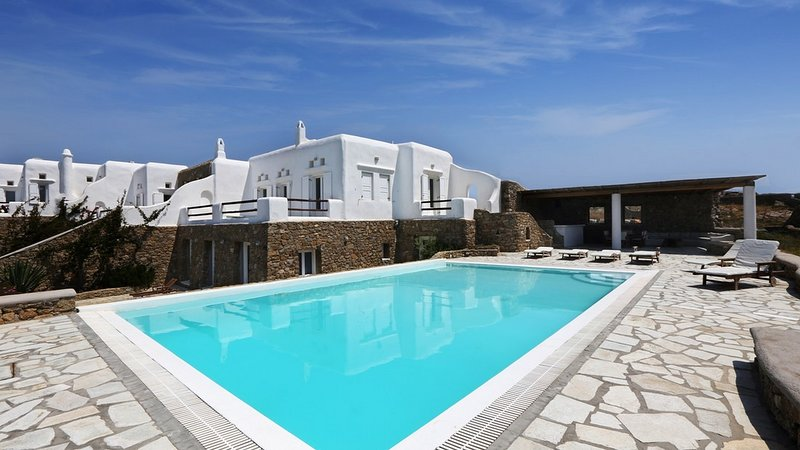 BlueVillas | Villa Elektra | Unwind party close to Super Paradise Beach, vacation rental in Mykonos Town