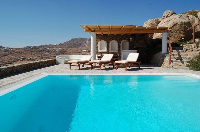 BlueVillas | Villa Nephele | Party by the pool close to Super Paradise Beach, location de vacances à Super Paradise Beach