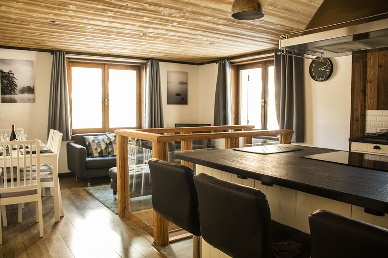 Stylish Apartment in a Superb Location, holiday rental in Montriond