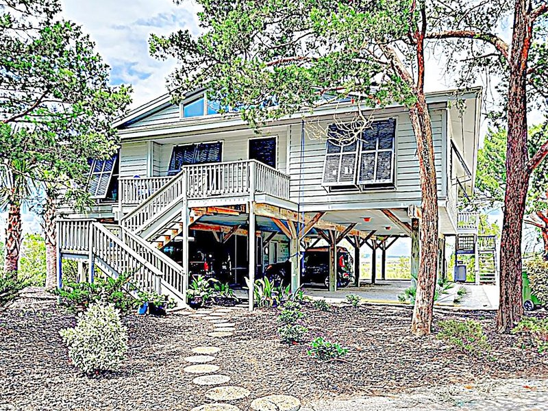 Collins Creek House