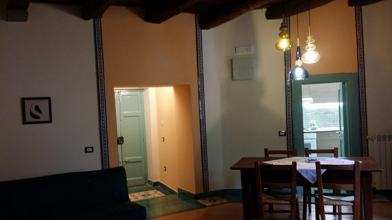 Casa Vacanze Le Rondinelle App. Verde, vacation rental in Roccapiemonte