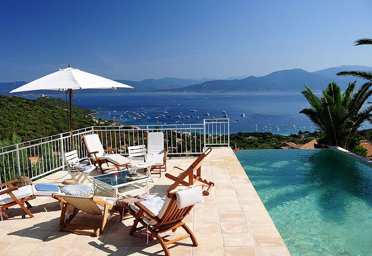 Spacious villa with swimming-pool, holiday rental in Belvedere-Campomoro