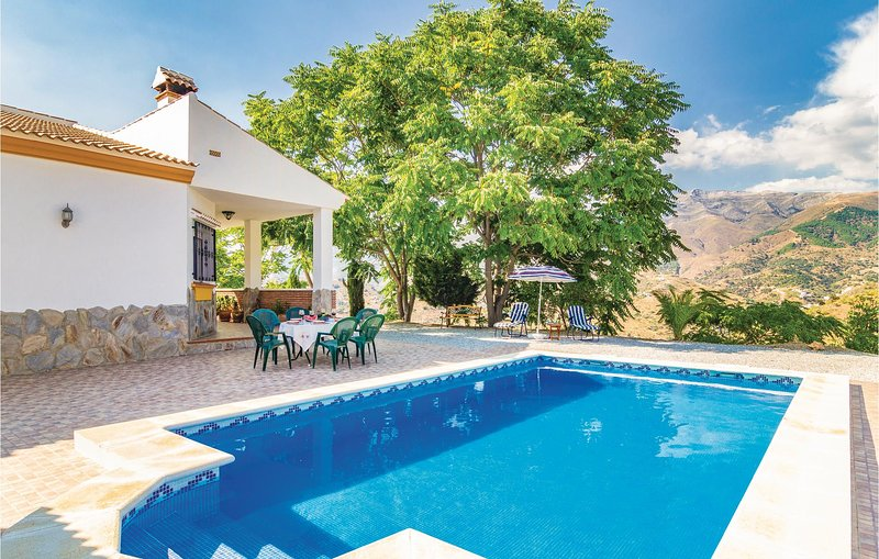Amazing home in Unknown with WiFi and 3 Bedrooms (EAS134), location de vacances à Loma las Chozas