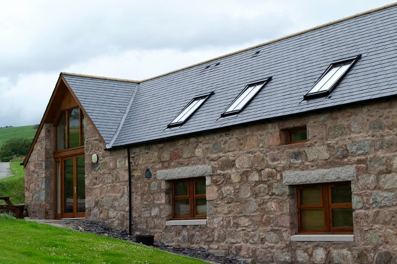 The Byre cottage, vacation rental in Wartle