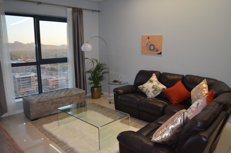 A luxurious apartment high up in the I-Towers, location de vacances à Gaborone