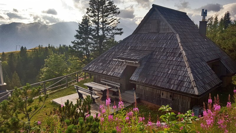 Koča Zlatorog - Velika planina, holiday rental in Senturska Gora