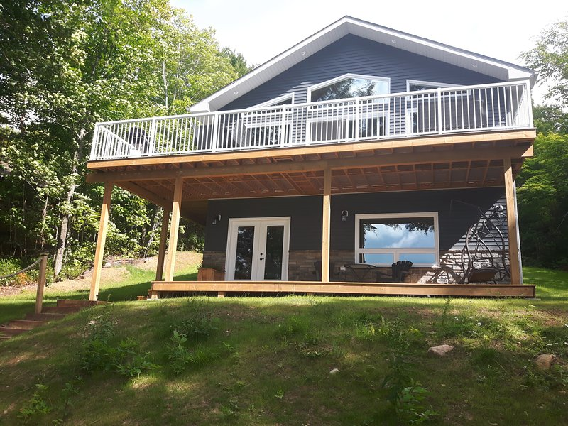 Sandy Bottoms Cottage – semesterbostad i Restoule