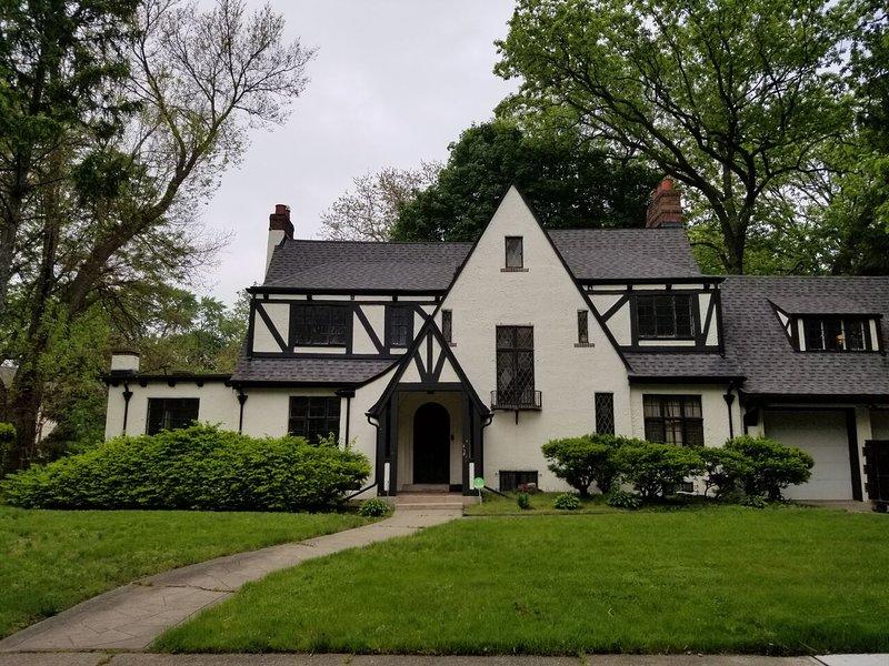 HOLCROFT HOUSE (Detroit, MI): Historic District, Near Royal