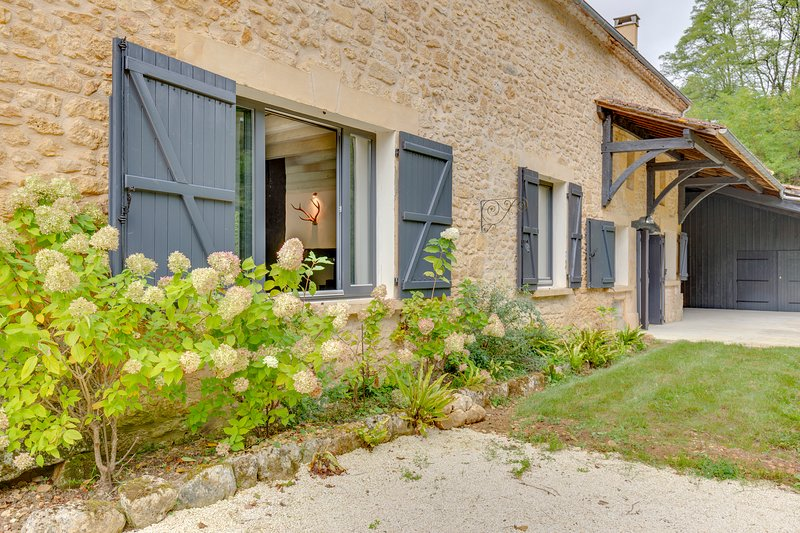 Fontalbe - luxury 6 bedroom Gite in the heart of the Dordogne, holiday rental in Sainte Croix