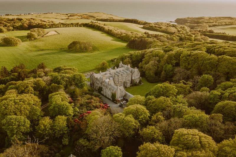 Splendor found: 100-year-old Scottish estate on 2,000-acre grounds by the sea, holiday rental in Portpatrick