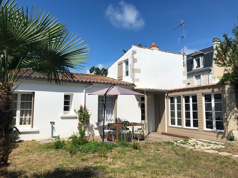 LA MAISON D'ISABELLE, holiday rental in l'Houmeau