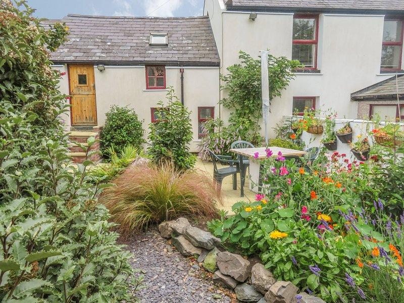 BEDDYCOR BACH, in Llanfachraeth, WiFi, coast nearby, Ref 981789, location de vacances à Llanfachraeth