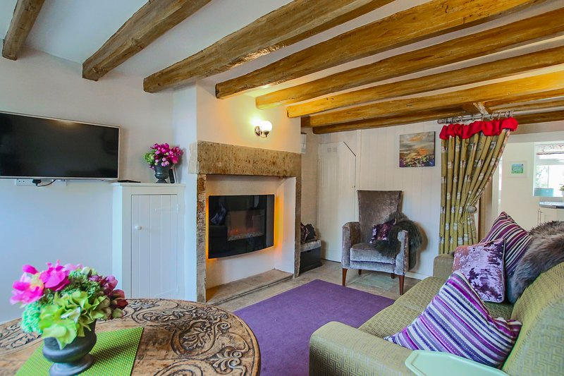 'Oh So Snug' Bijou 1- Bedroom cottage, Heart of Whalley, Clitheroe Lancashire, holiday rental in Clayton-le-Dale
