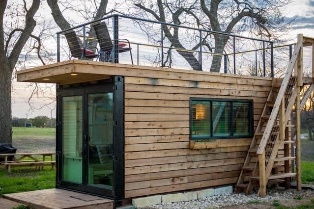 """20 'Contenedor casa pequeña casa con cubierta superior, """"The Anchor""""."""