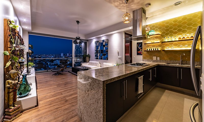 Paseo Chapultepec,  in the heart of the city! luxury apartment, vacation rental in Guadalajara