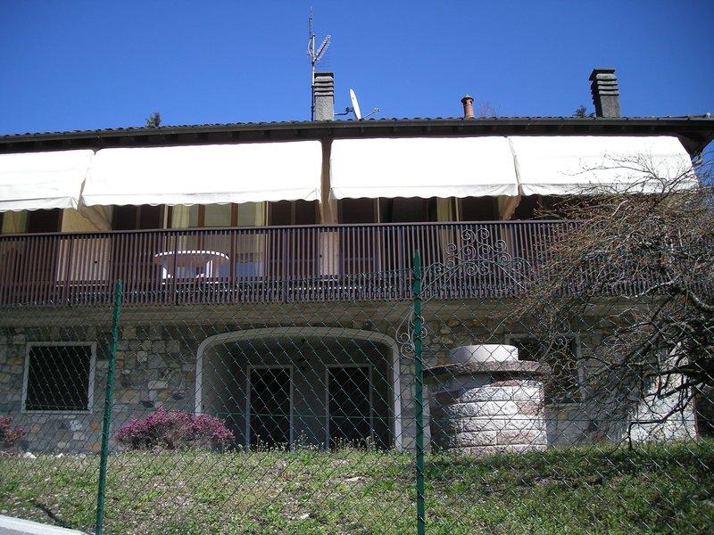 Villa Olga Lago Maggiore, holiday rental in Castelveccana