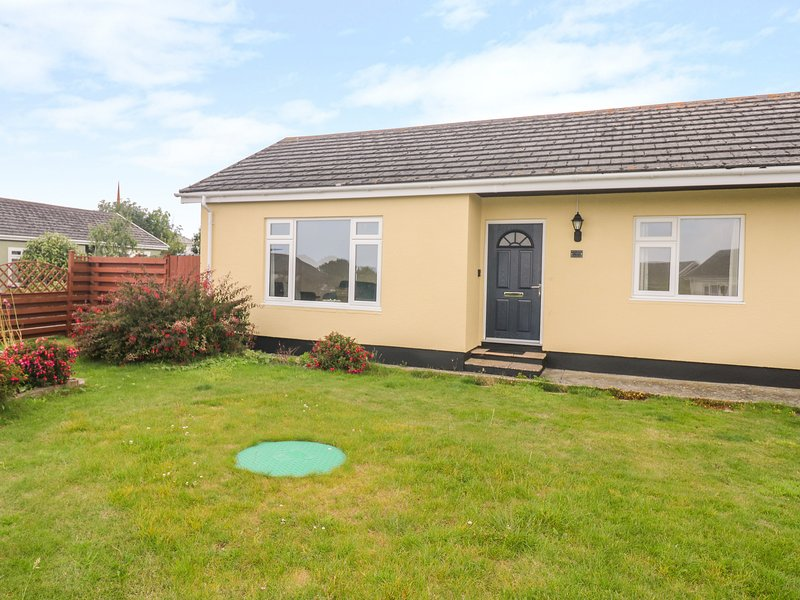 MERLIN'S RETREAT, detached, ground floor, conservatory in Tintagel, Ref 936436, vacation rental in Tintagel