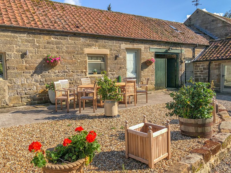 WITCHES COTTAGE all ground floor, luxury property Helmsley Ref 931158, vacation rental in Osmotherley