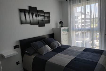 Apartamento en Luanco con piscina privada, holiday rental in Luanco