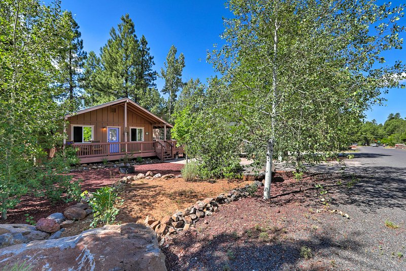 Book a trip to this 2-bedroom, 1-bathroom vacation rental cabin in Munds Park.