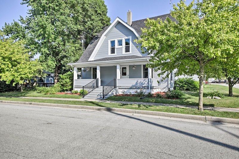 House w/ Patio - 27 Mi. to DT Indianapolis!, location de vacances à Fortville