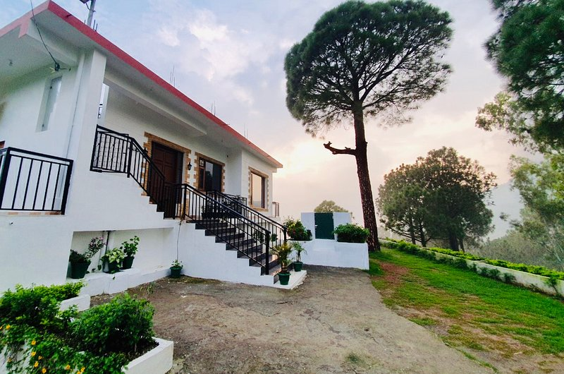 PINEVILLE HOME, vacation rental in Solan District