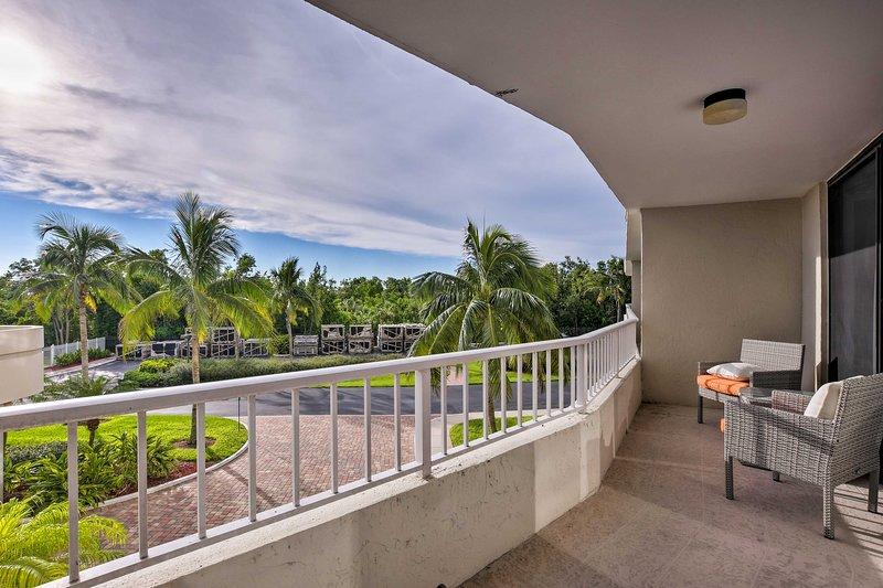 Diese Wohnung befindet sich auf Marco Island, nur wenige Schritte vom Strand entfernt.