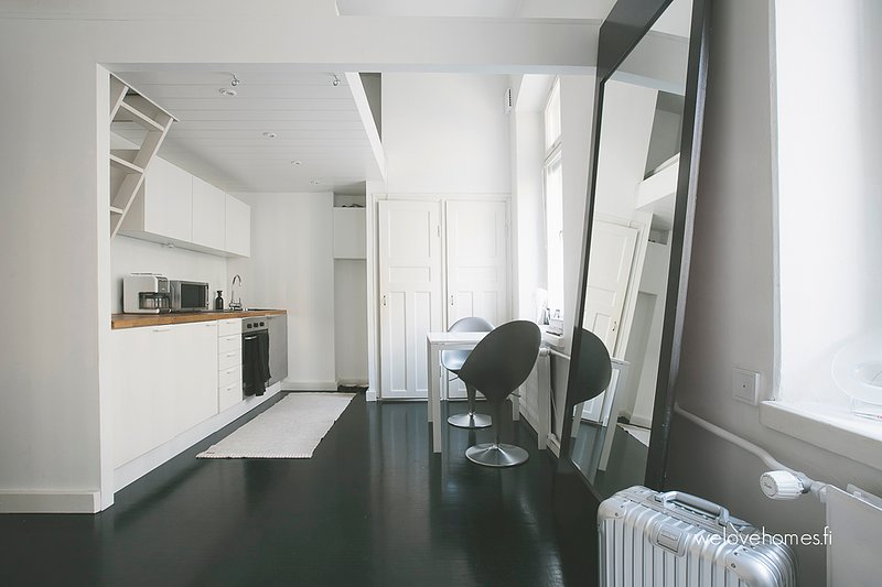 Lovely Studio WeHost *Fabianinkatu, holiday rental in Western Finland