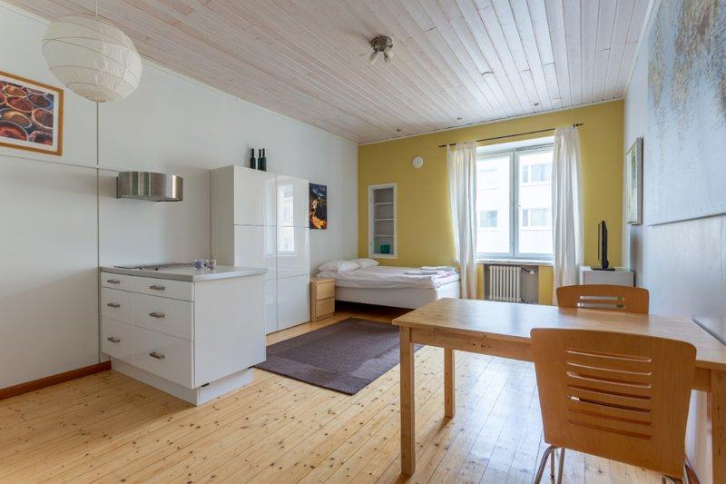 In The Heart Of Kallio WeHost *Kustaankatu, vacation rental in Helsinki