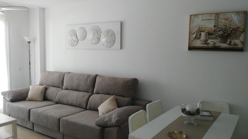 Apartamento 1º Linea de Playa, vacation rental in El Morche