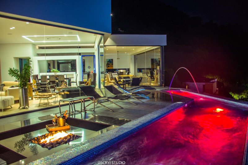 7 Bdrm Heated Pool Luxurious VIP Spacious Villa, vacation rental in Envigado
