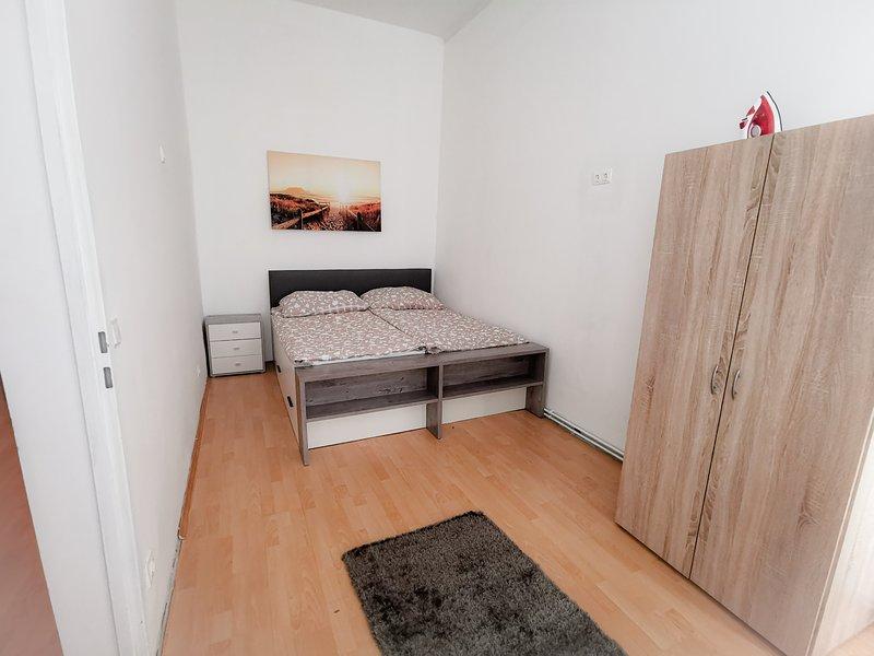 Nette Wohnung in Zentrumnähe ByBrothers Apart, casa vacanza a Munchendorf