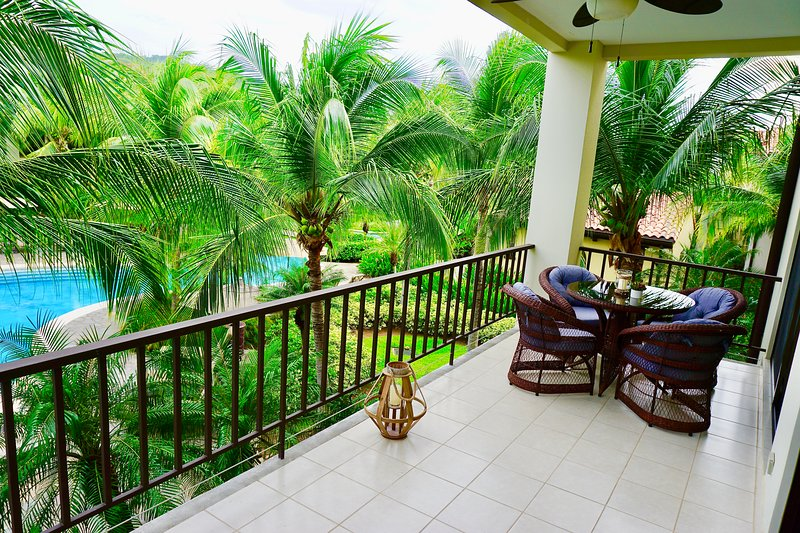 Luxurious Pacifico 2bed condo in Playa Coco, holiday rental in Artola